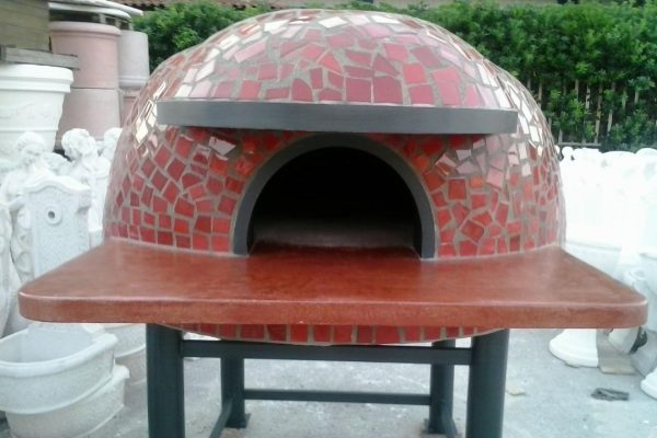 Original Neapolitanischer Pizzaofen aus Naturstein.